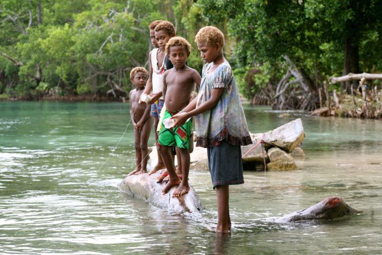Children fishing - copyright Francisco Blaha