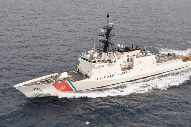 US Coast Guard cutter Stratton sails in the Pacific (Photo: USCGC Stratton WMSL 752)