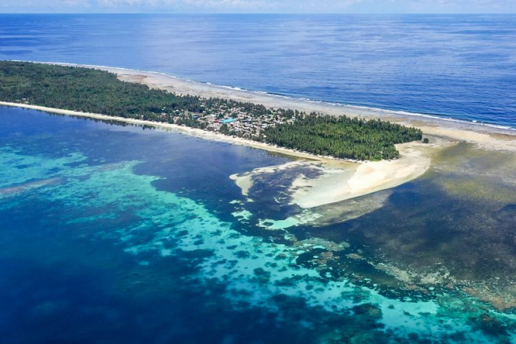 Pandemic, climate threats and economic hardship in illegal sea cucumber harvesting on Ontong Java