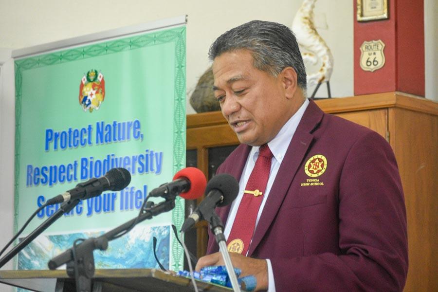 Three-quarter view of Tongan environment minister Hon. Poasi Tei at lectern on World Oceans Day 2021. Photo Iliesa Tora.